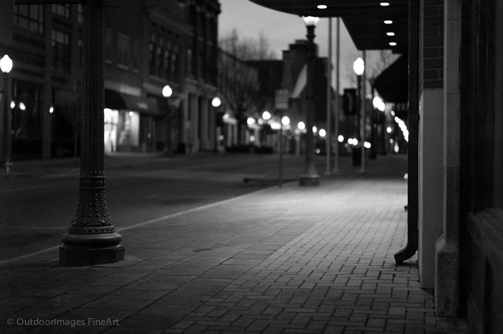 Morning on Main Street with the Monochrom and Summilux 50mm.