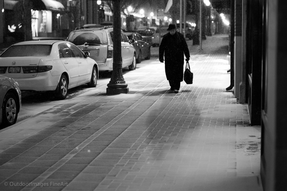 The First Snow - Going Home - Monochrom and Summilux 50mm.